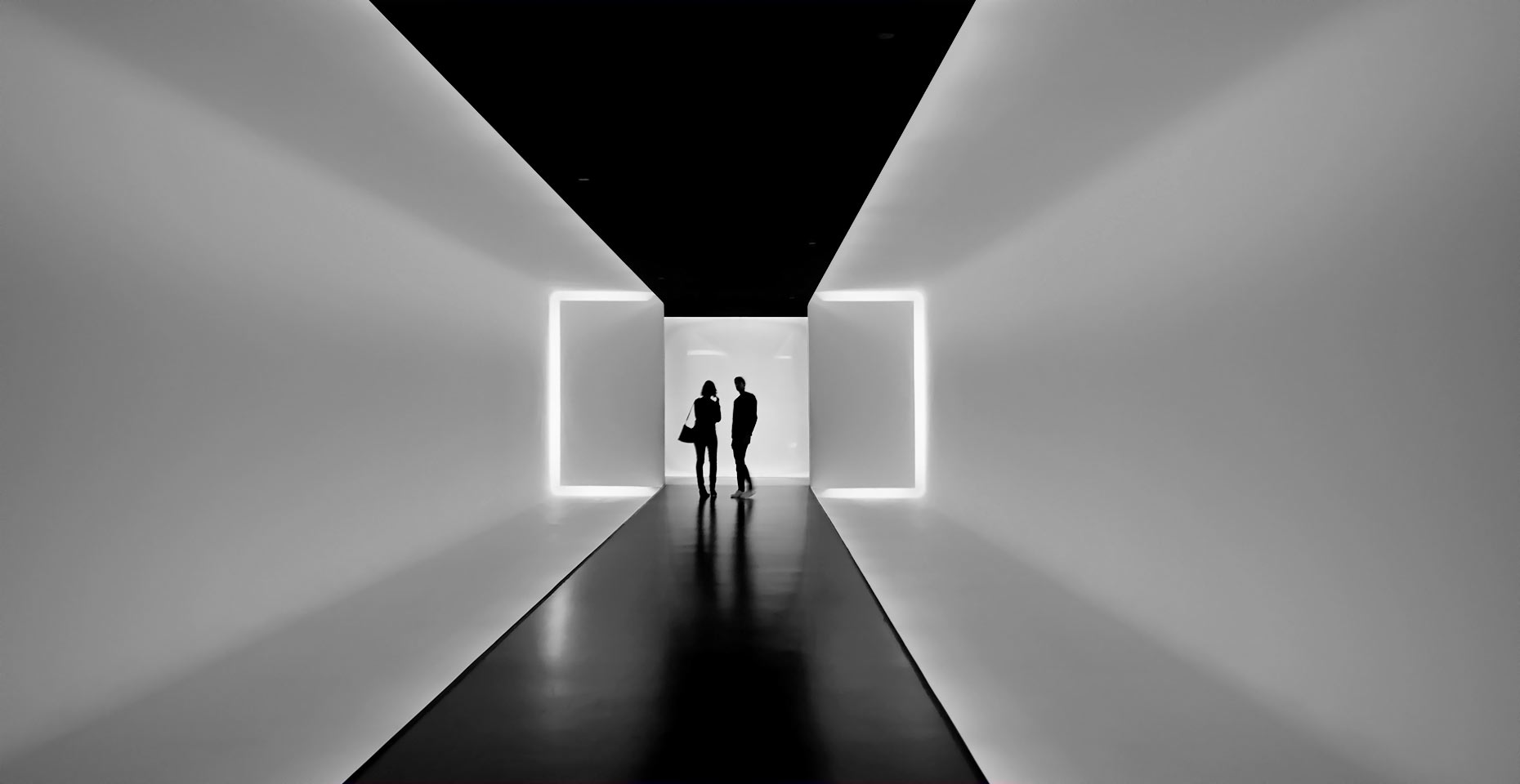 00-Houston-Museum-of-Fine-Arts-tunnel-BW